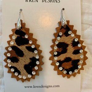 Jewelry - BRAND NEW: cheetah print felt tear drop earrings